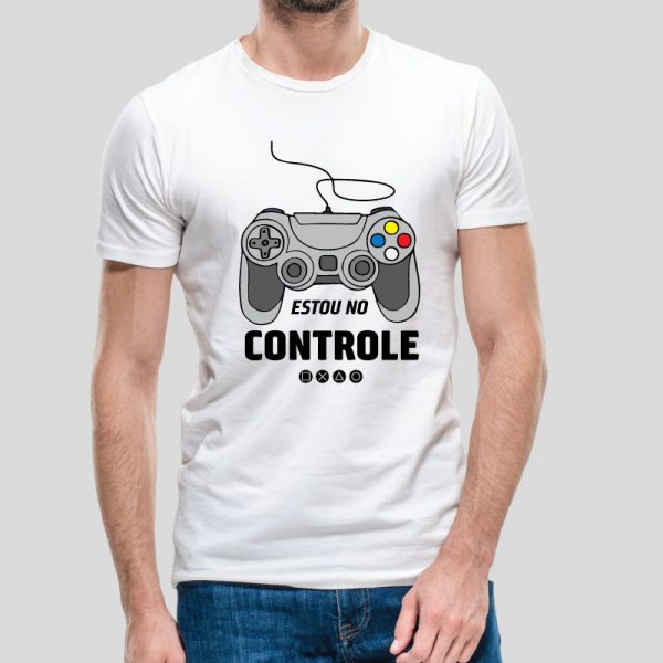 -shirt Estou no controle. T-Shirts para Homem 100% Algodão, moderna e básica de manga curta com visual contemporâneo