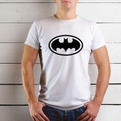 T-shirt de homem Batman, 100% Algodão, moderna e básica de manga curta com visual contemporâneo.