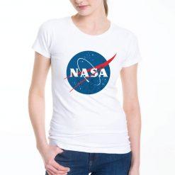 T-shirt de mulher NASA logotipo vintage.100% Algodão, moderna e básica de manga curta com visual contemporâneo.