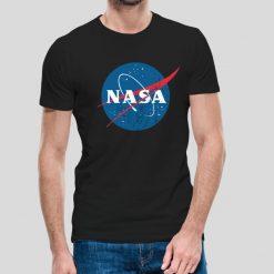 T-shirt de homem NASA logotipo vintage, 100% Algodão, moderna e básica de manga curta com visual contemporâneo.