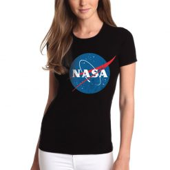 T-shirt NASA logotipo vintage, unissexo 100% Algodão, moderna e básica de manga curta com visual contemporâneo