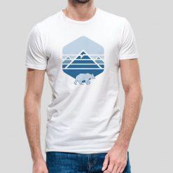 T-shirt de homem Evereste. 100% Algodão, moderna e básica de manga curta com visual contemporâneo.