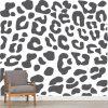 Papel de parede Leopardo em vinil autocolante decorativo. Aplique esta imagem em qualquer superfície lisa e sem textura. Além disso, ao contrário do papel de parede tradicional, não precisa aplicar colas.
