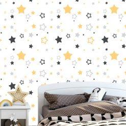Papel de parede com Estrelas amarelas e cinza infantil em vinil autocolante decorativo. Aplique esta imagem em qualquer superfície lisa e sem textura. Além disso, ao contrário do papel de parede tradicional, não precisa aplicar colas.