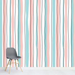 Papel de parede Riscas verticais pastel em vinil autocolante decorativo. Aplique esta imagem em qualquer superfície lisa e sem textura. Além disso, ao contrário do papel de parede tradicional, não precisa aplicar colas.